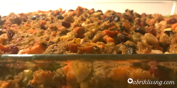 Nana's Classic Stuffing - colorful, savory, and vegan friendly! I abrikliving.com