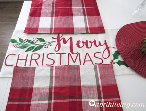 Minimal Christmas Decor - Simple and festive | abrikliving.com