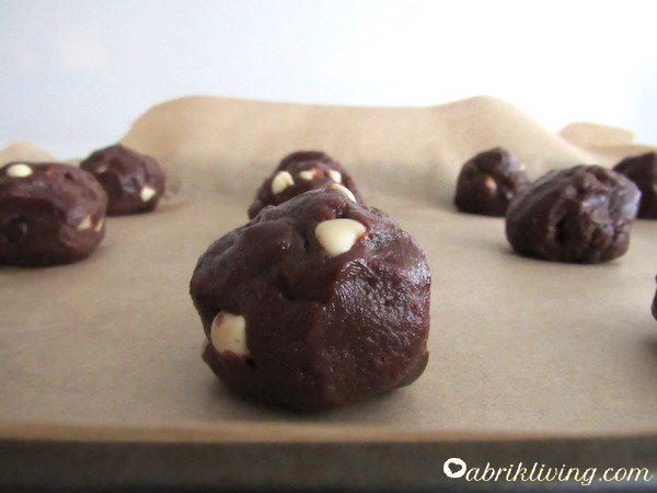 Pearl Drop Cookies - Chewy and Chocolatey Goodness | abrikliving.com