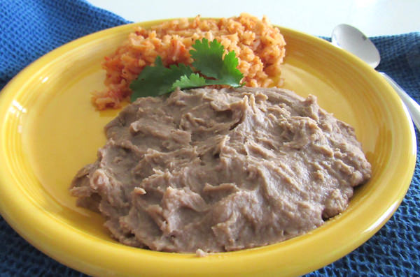 Easy Homemade Vegan Refried Beans | abrikliving.com