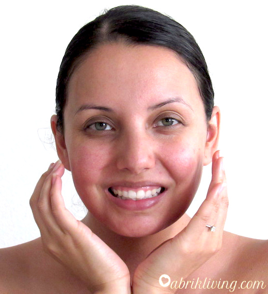 How To Give Yourself An At-Home Facial | abrikliving.com