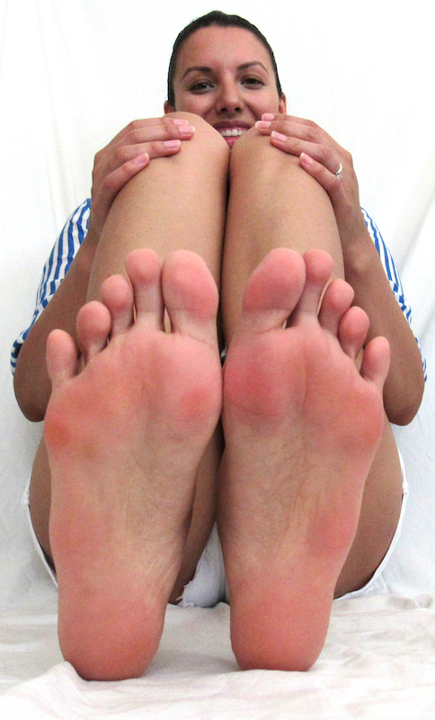 The Secret To Smooth Feet All Year Round   abrikliving.com