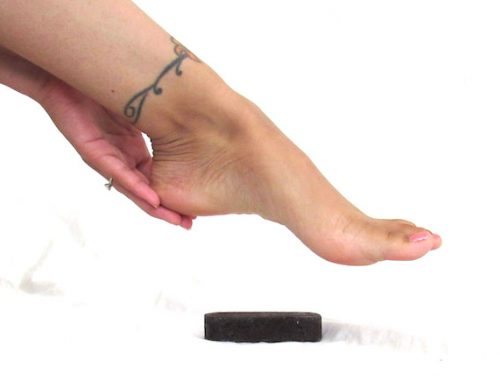 The Secret To Smooth Feet All Year Round | abrikliving.com